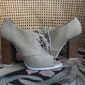 Aldo Swede leather bootie heels